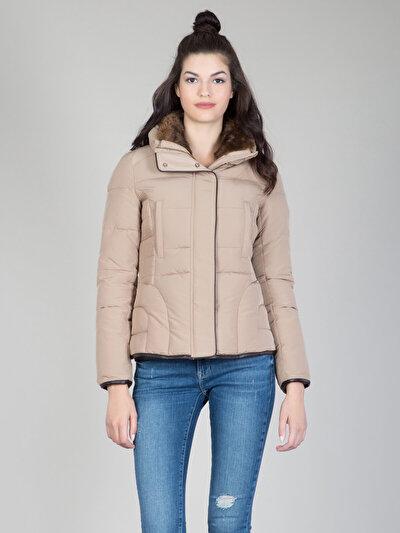 COLINS бежевый женский куртки<br>Пол: женский; Цвет: бежевый; Размер INT: S;