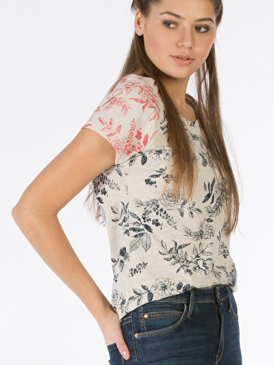 COLINS бежевый женский футболки короткий рукав<br>Пол: женский; Цвет: экру меланж; Размер INT: S;