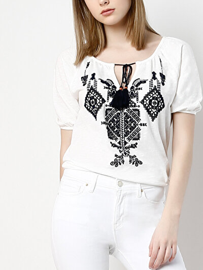 COLINS белый женский футболки короткий рукав<br>Пол: женский; Цвет: белый; Размер INT: L;
