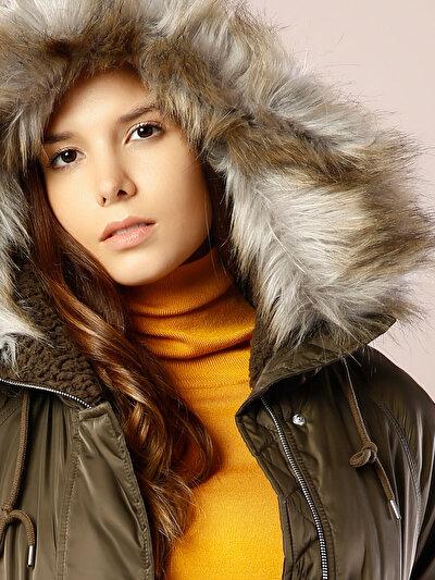 COLINS хаки женский куртки<br>Пол: женский; Цвет: хаки; Размер INT: XS;