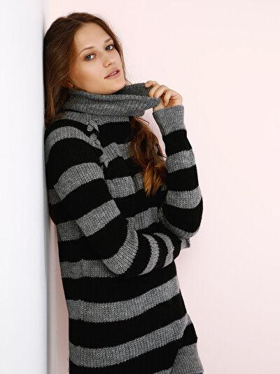COLINS черный женский свитеры<br>Пол: женский; Цвет: черный; Размер INT: M;