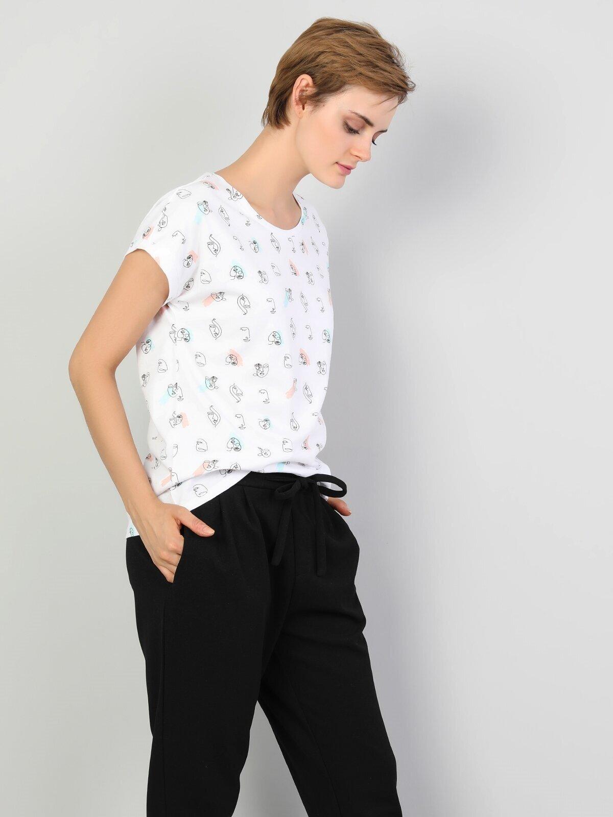 Показать информацию о Женская футболка с коротким рукавом Comfort Fit CL1047188