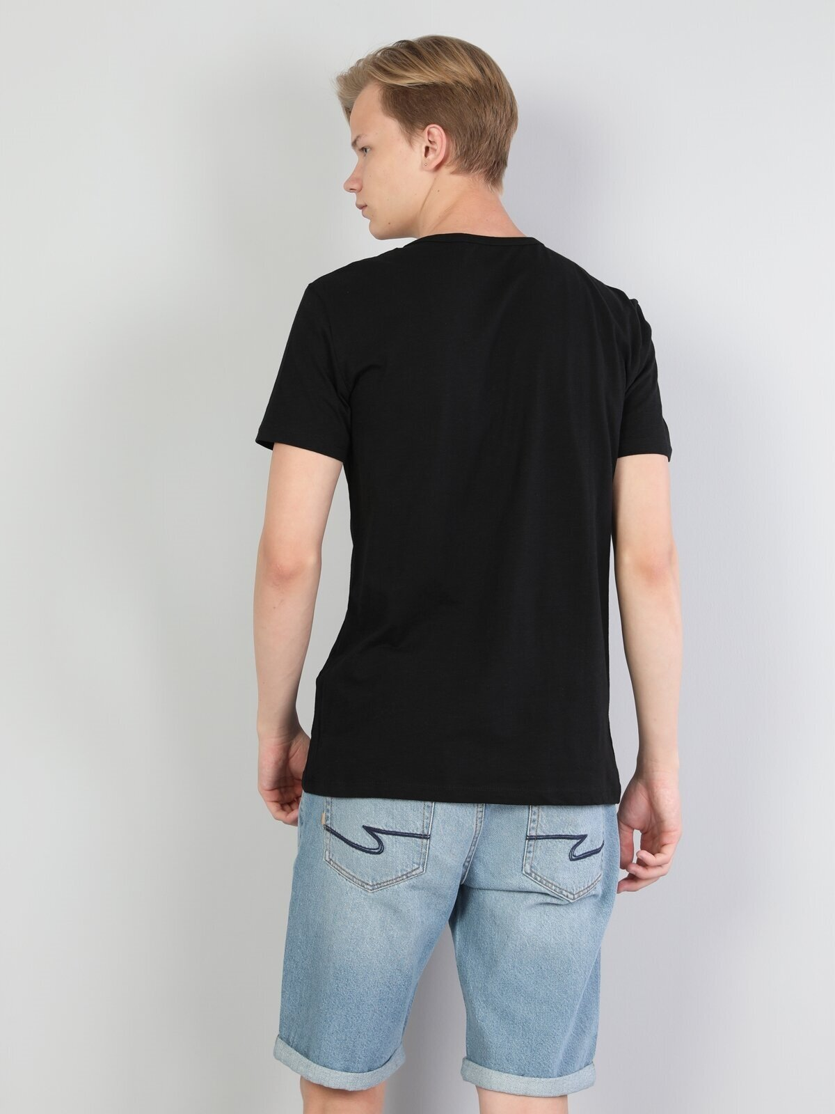 Показать информацию о Мужская футболка с коротким рукавом regular fit CL1046849