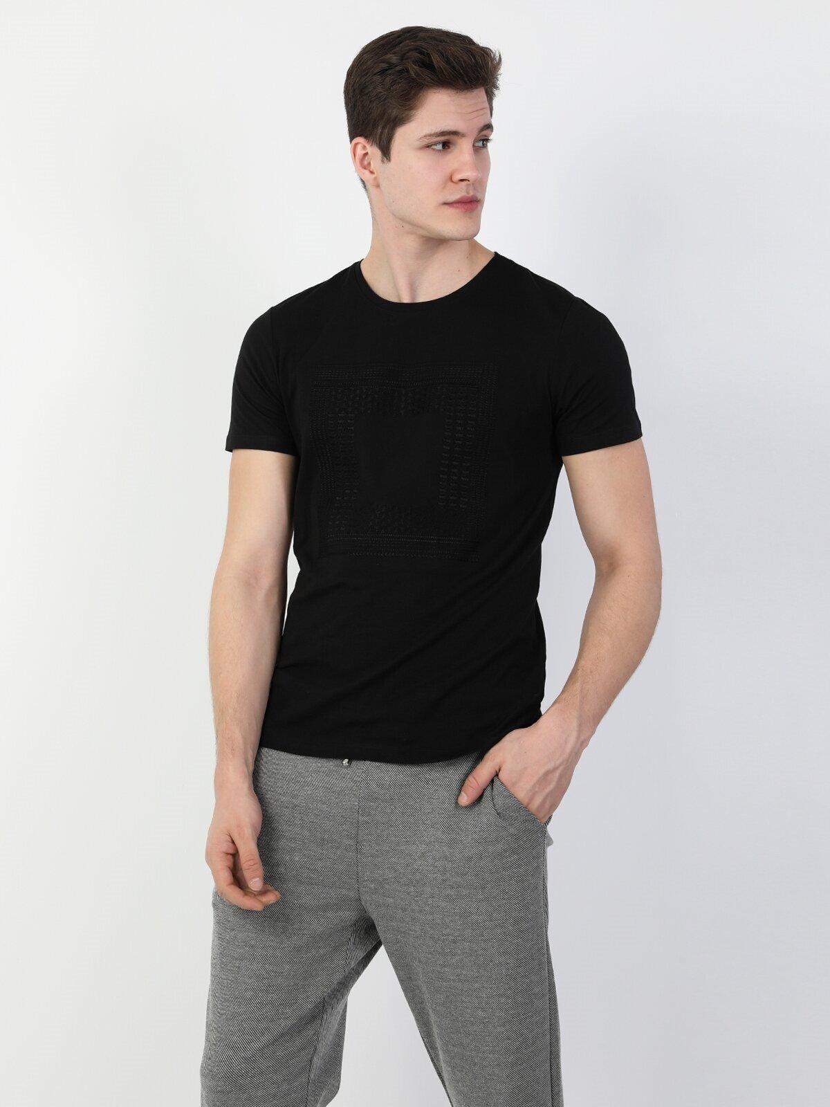Показать информацию о Мужская футболка с коротким рукавом regular fit CL1048490