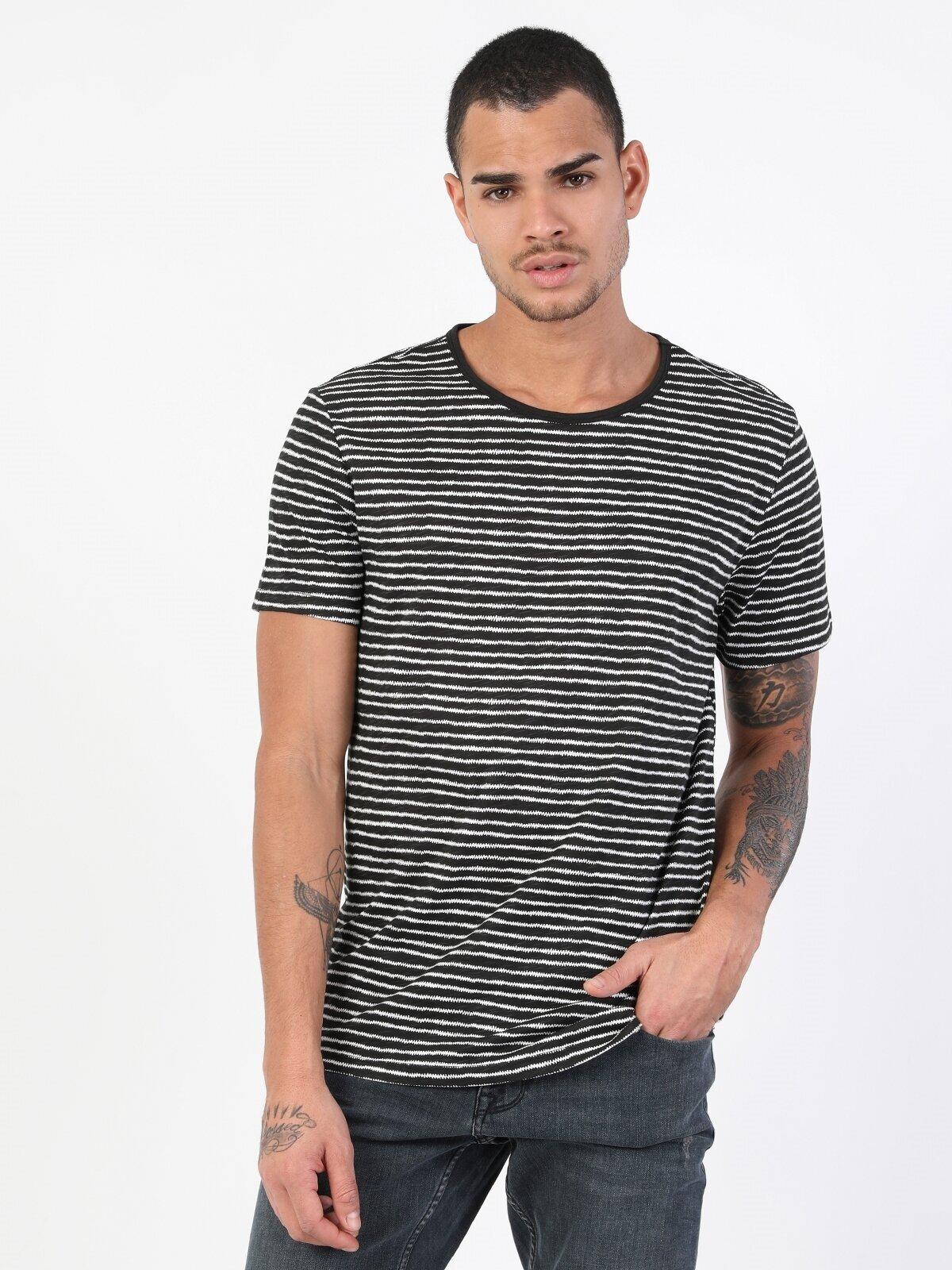 Показать информацию о Мужская футболка с коротким рукавом regular fit CL1048495