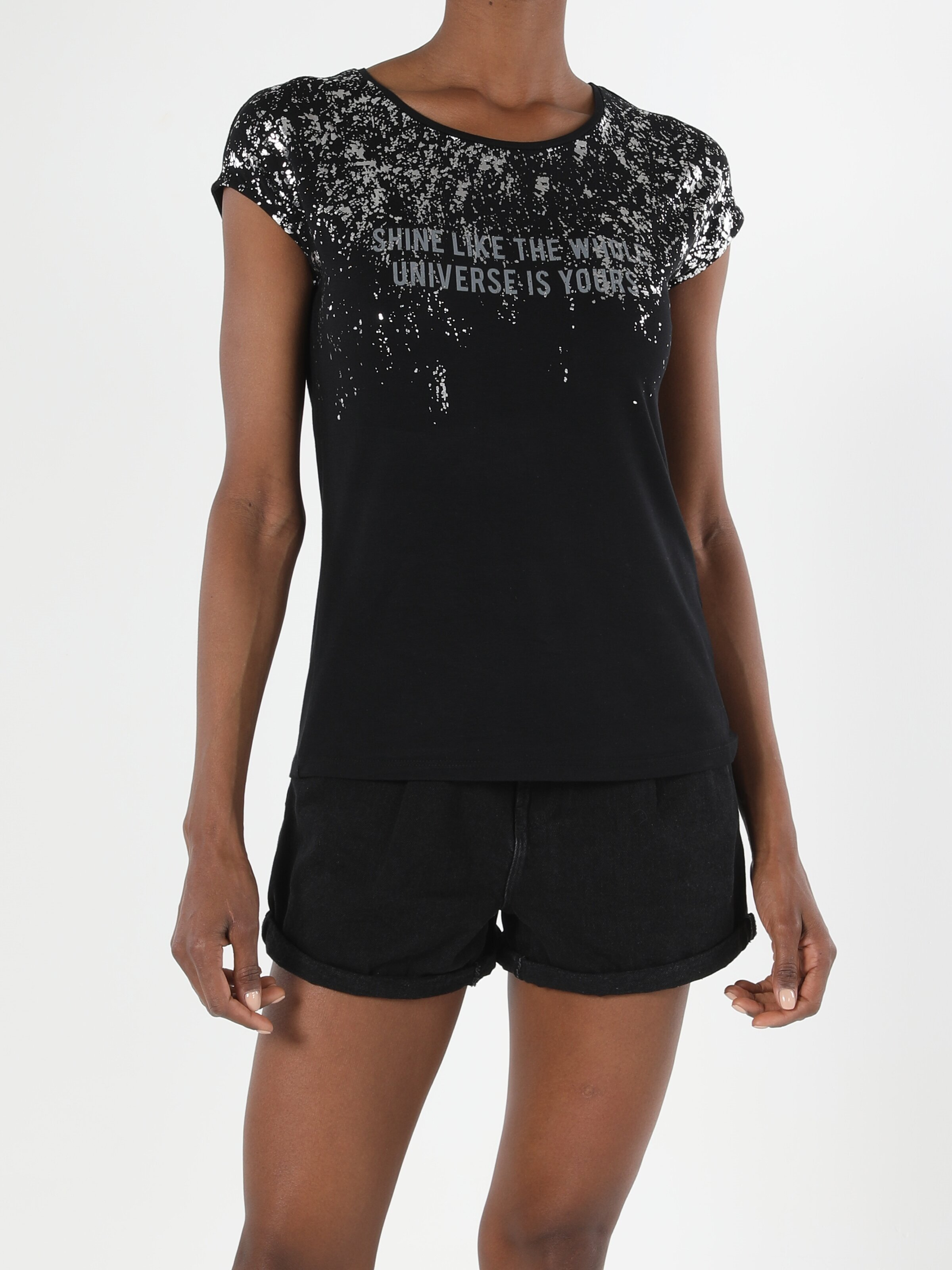 Показать информацию о Женская футболка с коротким рукавом regular fit CL1056389