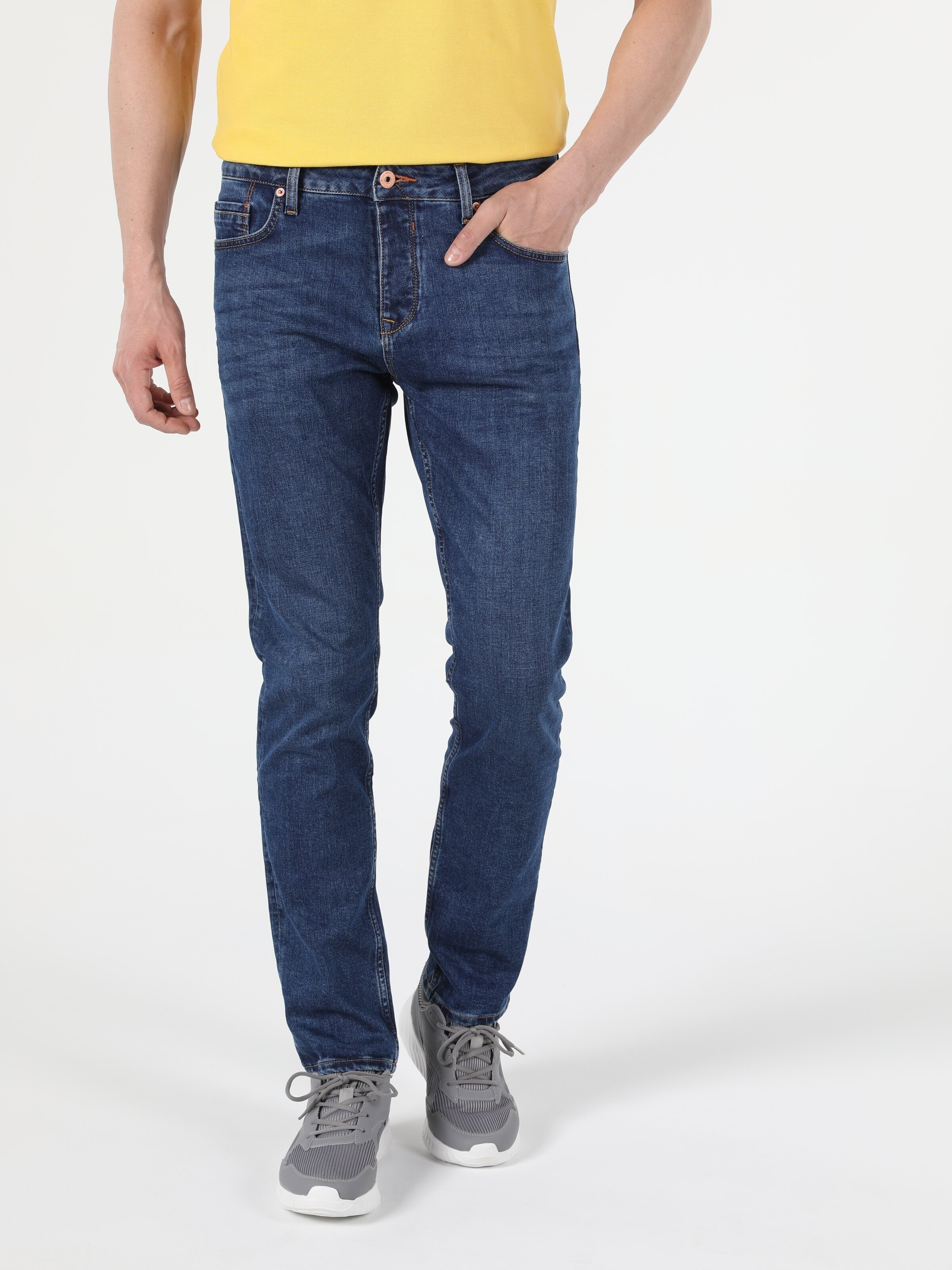 Показать информацию о Мужские прямые джинсы  044 KARL straight fit CL1053089