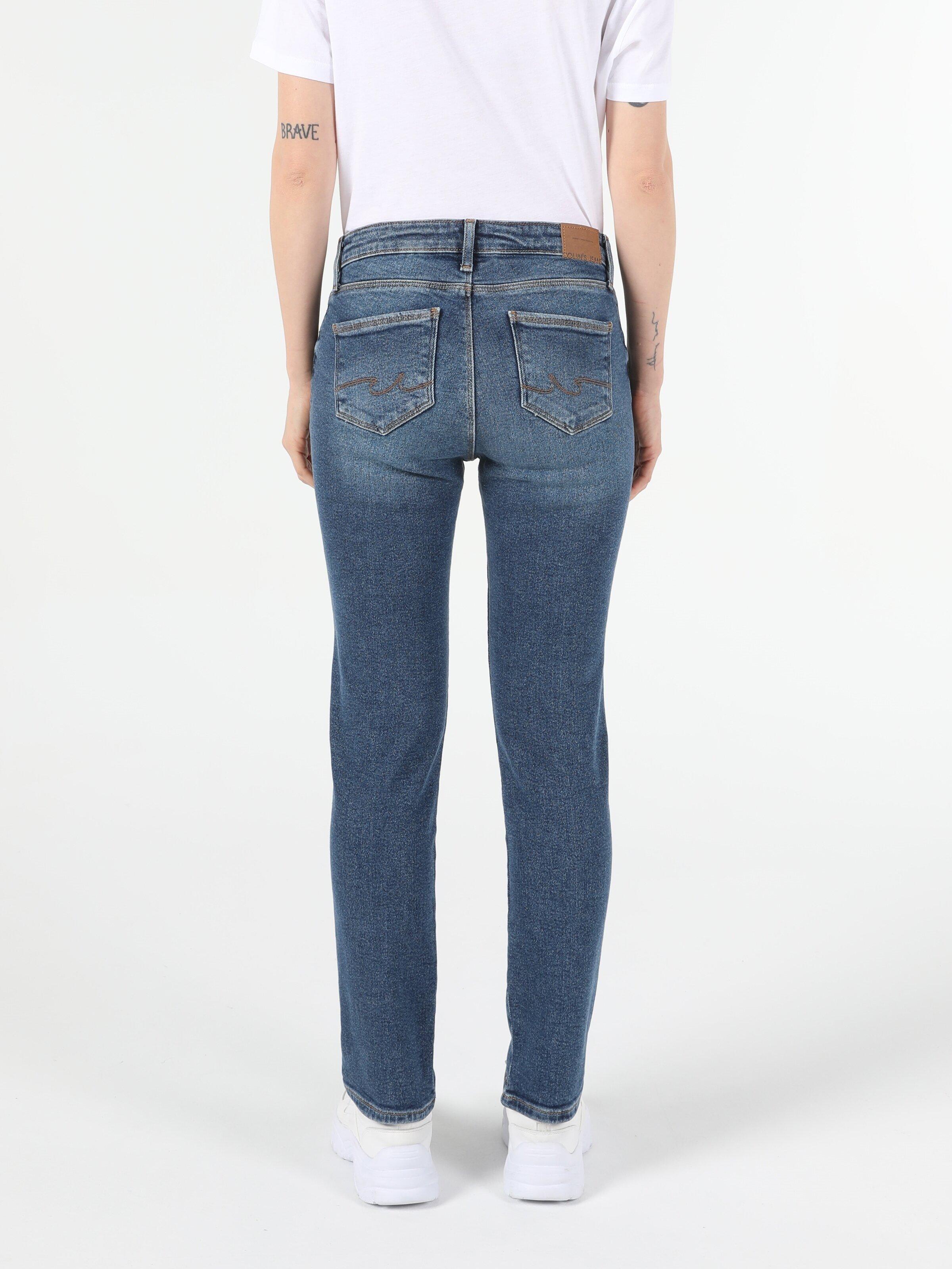 Показать информацию о Женские прямые джинсы  703 CARLA slim fit CL1054599