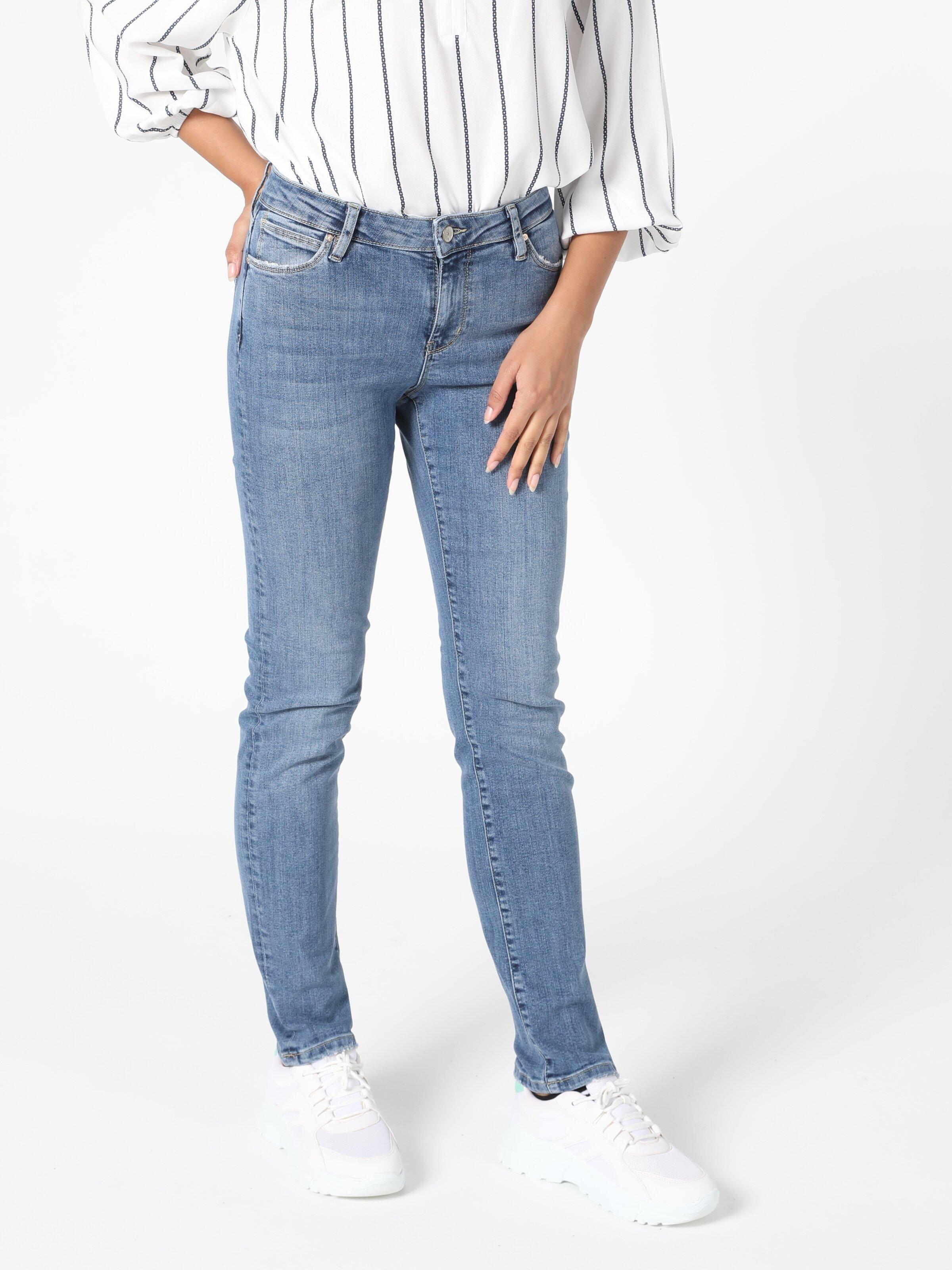 Показать информацию о Женские Прямые Джинсы Slim Fit 703 Carla Cl1055528