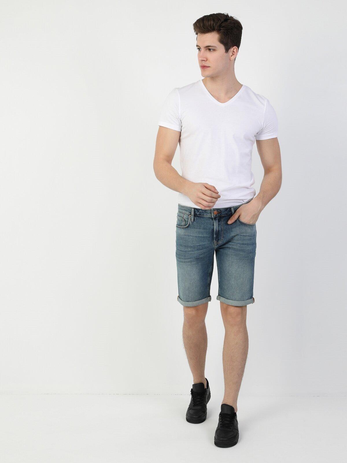 Показать информацию о Мужские классические шорты Straight Fit 044 KARL CL1049168