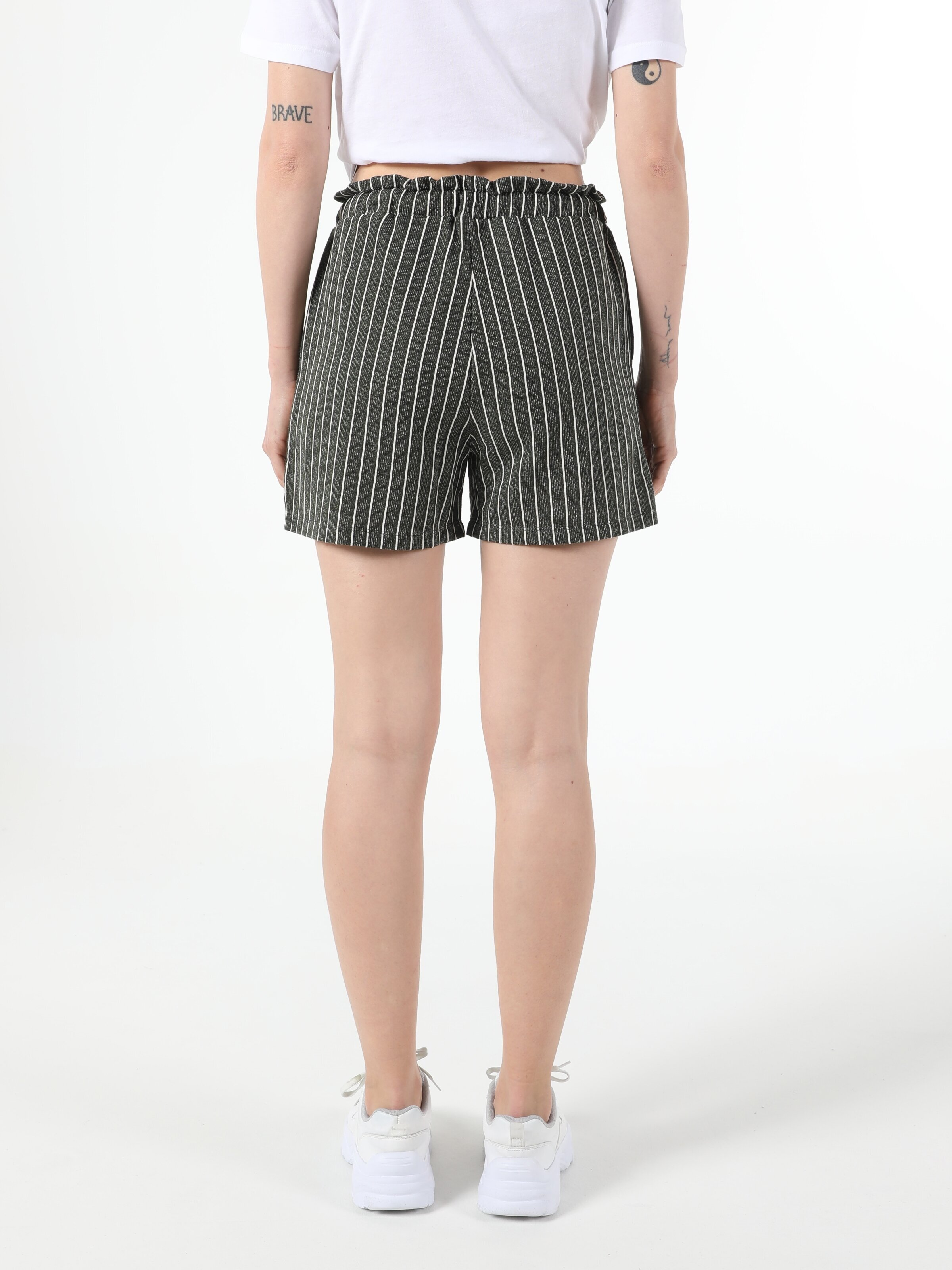 Показать информацию о Женские шорты regular fit CL1054036