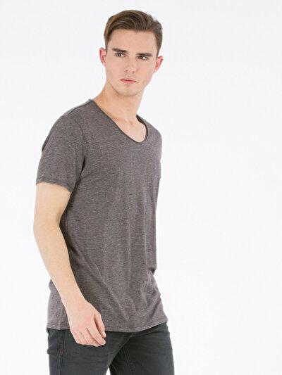 COLINS серый мужской футболки короткий рукав<br>Пол: мужской; Цвет: тёмно-серый меланж; Размер INT: S;