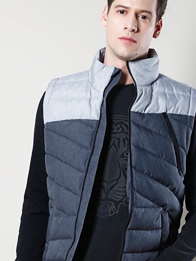 COLINS серый мужской жилеты<br>Пол: мужской; Цвет: смешанный серый; Размер INT: L;