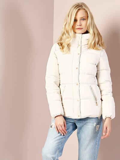 COLINS белый женский куртки<br>Пол: женский; Цвет: белый; Размер INT: M;