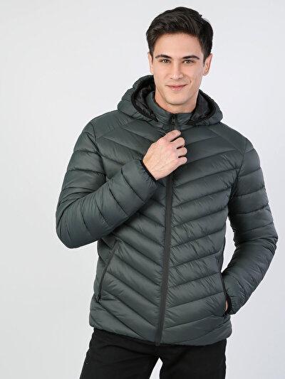 Изображение Дутая Темно-Зеленая Куртка Мужская С Капюшо́ном